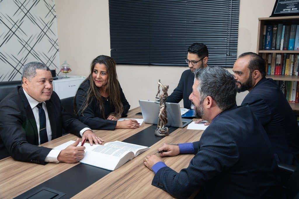 Acocat construction 83, avocat bâtiment Toulon, avocat litiges bâtiment Draguignan, avocats problèmes bâtiment Hyères,